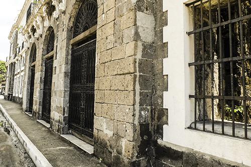 マニラ最古の地区「イントラムロス」のおすすめスポット